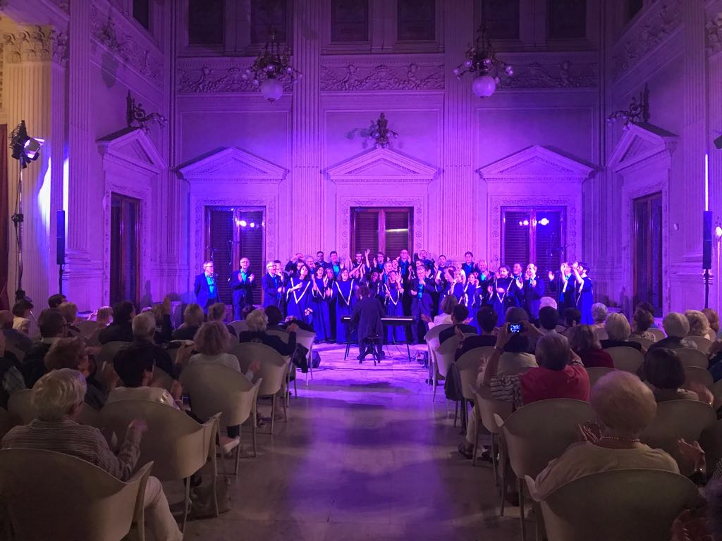 Voices of Heaven Gospel Choir und Erster Kölner Barbershop Chor